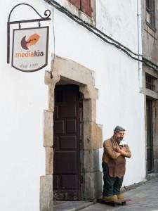 fotos local medialua  fachada 01