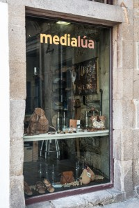fotos local medialua  fachada 02